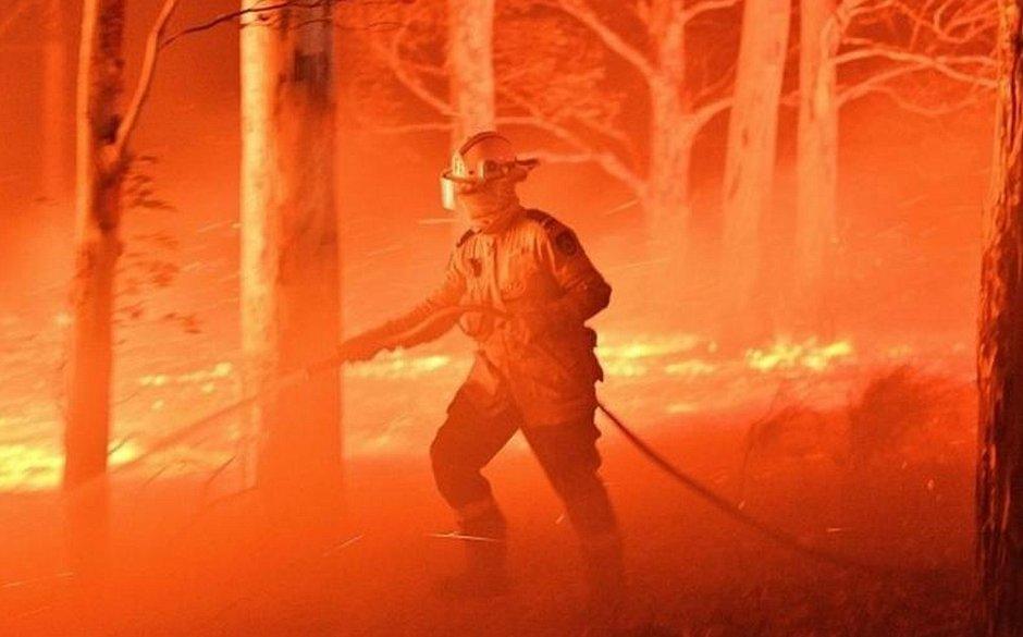A Austrália vem sofrendo com os incêndios que devastam o país desde o ano passado