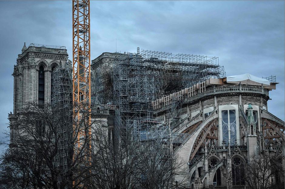 Catedral de Notre-Dame ainda corre risco de colapso