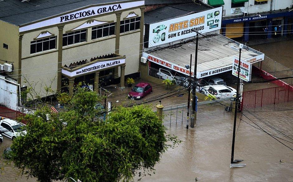 Entenda o que provocou as chuvas fortes desta terça (26) em Salvador