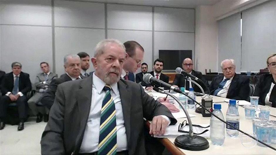 Defesa de Lula recorre de sentença no caso do triplex