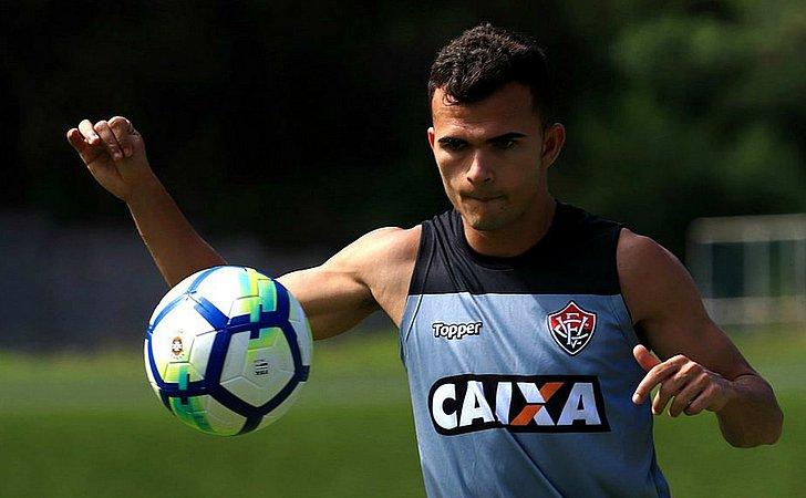 Vetado, Erick desfalca o Vitória contra o Botafogo