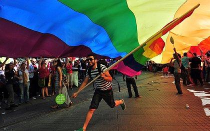 Por 8 votos a 3, STF criminaliza homofobia e transfobia