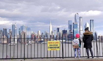 Epicentro da pandemia nos EUA, Nova York se aproxima de 10 mil mortos