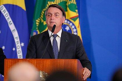 Usuários do Twitter repetem pergunta que levou Bolsonaro a ameaçar jornalista