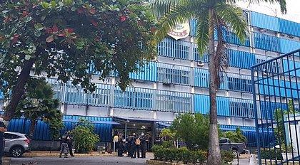 PF investiga irregularidades na contratação de OS para combate à covid-19 em PE