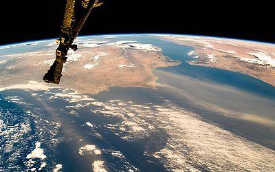 Imagem da Agência Espacial Europeia (ESA) mostra padrões climáticos convergindo sobre a área seca que atinge Portugal.