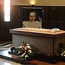 Túmulo onde estava corpo de Irmã Dulce poderá ser visitado em memorial