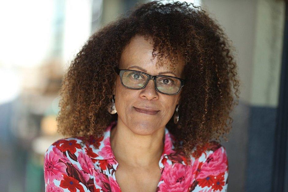 Premiado 'Garota, Mulher, Outras', de Bernardine Evaristo, é publicado no Brasil