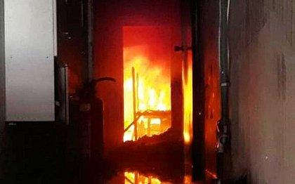 Bombeiros controlam incêndio em fábrica de Cruz das Almas