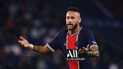Neymar 'tira onda' após Supercopa: 'Inscrições do curso de pênaltis estão abertas'