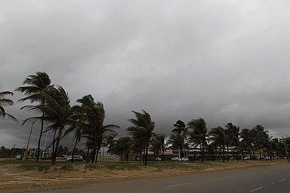 Ventos fortes e chuvas ficarão longe de Salvador mesmo com massa de ar histórica chegando ao Brasil