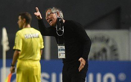 Ariel Holan comandou o Santos em apenas 12 jogos