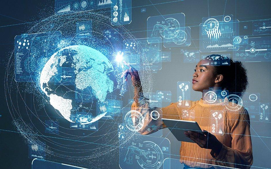 Empresas buscam ampliar a diversidade através do incentivo da participação feminina nas áreas de tecnologia e inovação