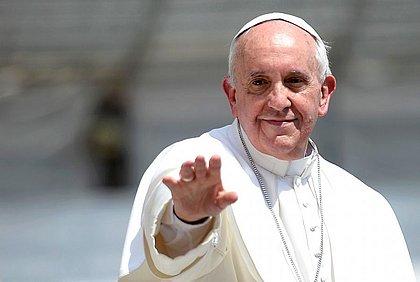Papa convoca oração universal e dará perdão extraordinário