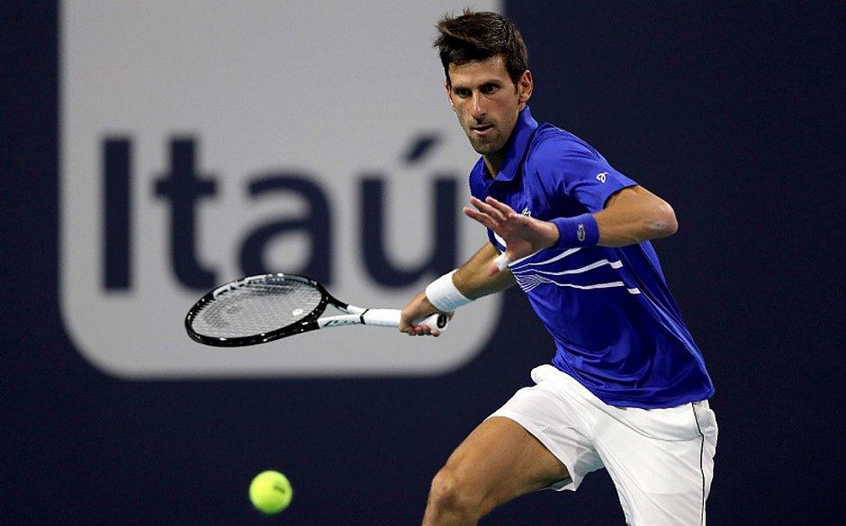 Djokovic espanta a zebra e estreia com triunfo no Masters de Miami