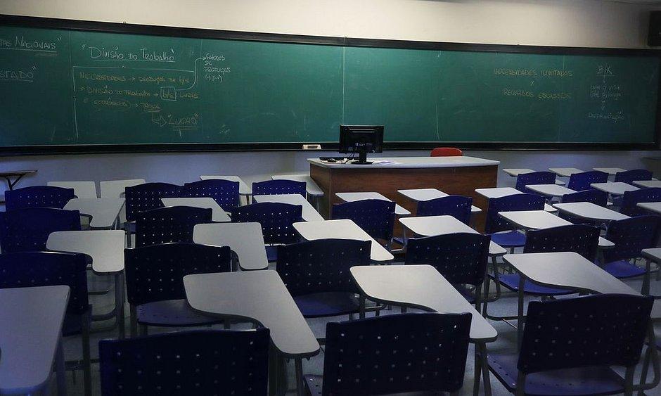 Estados e municípios ainda estudam a melhor forma de retomar as aulas presenciais com segurança