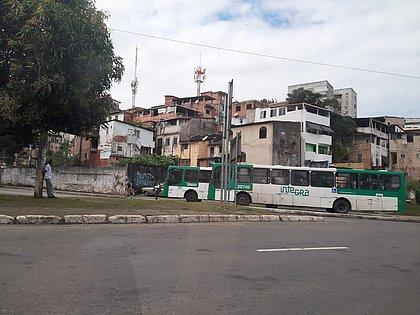 Rodoviários interditam acesso à Estação da Lapa em protesto