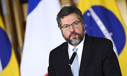 Governo de Bolsonaro se tornou 'sem alma', diz ex-ministro Ernesto Araújo