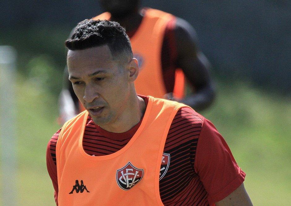 Marcelinho já treina na Toca do Leão