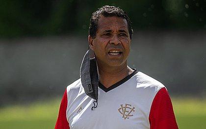 Técnico Rodrigo Chagas tem desfalques em todos os setores do Vitória