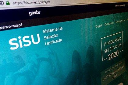 AGU estuda novo recurso contra decisão que impede divulgação do Sisu