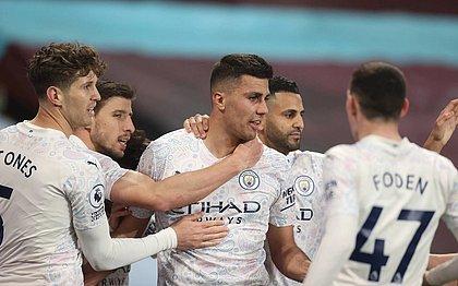 Manchester City está a apenas oito pontos do título do Campeonato Inglês