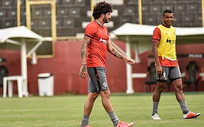 Fernando Neto durante treino do Vitória