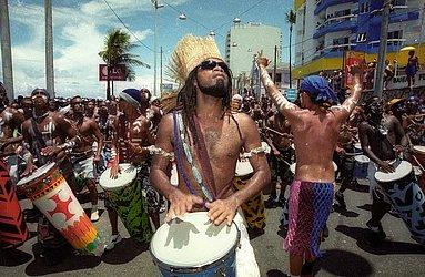 Carlinhos Brown, 2001