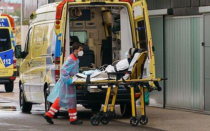Espanha declara estado de emergência de 6 meses por segunda onda de coronavírus
