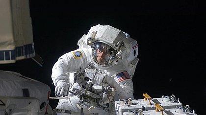 Série documental Rumo às Estrelas, a partir de 6/10  no Disney+, aborda os desafios da exploração espacial