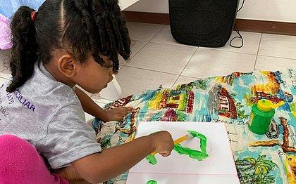Dificuldades no ensino remoto fazem famílias baianas aderirem ao ensino domiciliar