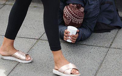 Mendigo no centro de Londres.