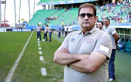 Guto Ferreira comenta expulsão durante jogo contra o Santos