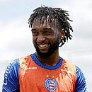 Gustavo vai fazer parte do time principal do Bahia quando o futebol no Brasil for retomado