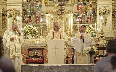 Missa foi celebrada pelo pároco da igreja, José Abel Carvalho Pinheiro e o bispo auxiliar de Salvador, dom marco Galrão Leite de Almeida