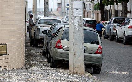 Estacionar em local proibido é uma das infrações mais cometidas pelos motoristas de Salvador