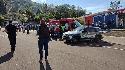 Jovem invade escola e mata três crianças e duas funcionárias em SC