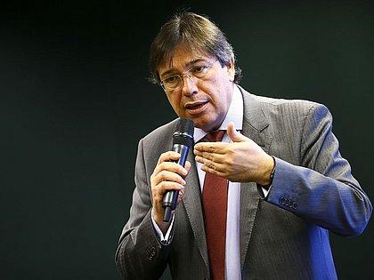 Presidente da Eletrobras pede demissão do cargo