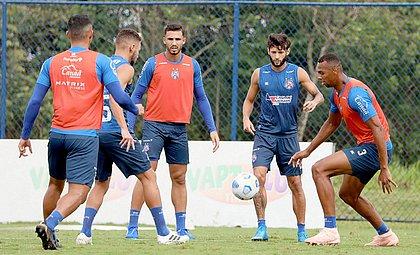 Elenco tricolor fez o último treino antes da viagem para Fortaleza, local da partida contra o Ceará