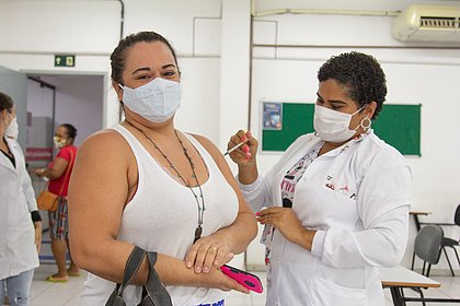 Vacinômetro: Bahia tem mais de 5,2 mi de vacinados; 2,1 mi com imunização completa