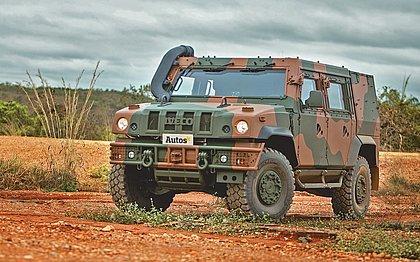 Rodamos no utilitário blindado que a Iveco irá fornecer para o Exército Brasileiro