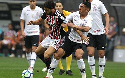Corinthians e São Paulo empatam em clássico recheado de polêmicas