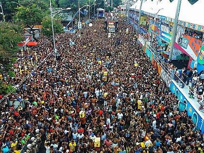 Mirando Réveillon e Carnaval, prefeitura avalia fazer evento teste em julho