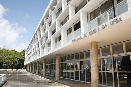 Fachada da Faculdade de Direito da UFBA