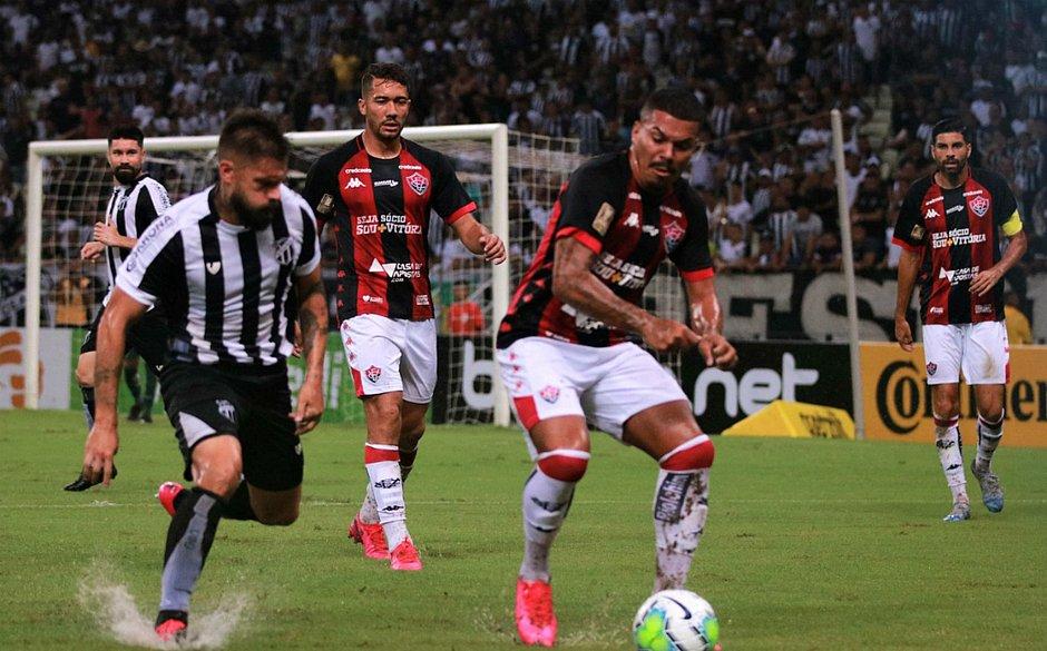 Carleto lamentou gol sofrido pelo Vitória em bola parada