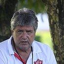 Geninho, em foto de 2011, na sua quarta passagem pelo Vitória