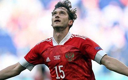 Miranchuk comemora o gol sobre a Finlândia