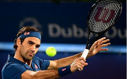 Roger Federer vence Fernando Verdasco e avança às quartas de final do Torneio de Dubai