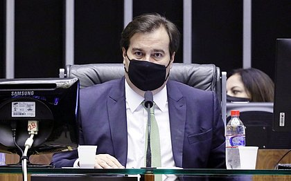 Presidente da Câmara Rodrigo Maia testa positivo para covid-19