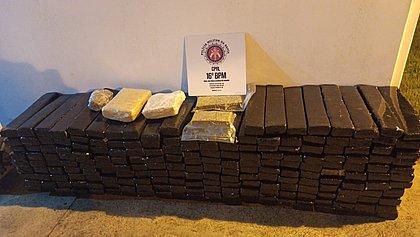 Polícia apreende 305 kg de maconha na BR-116